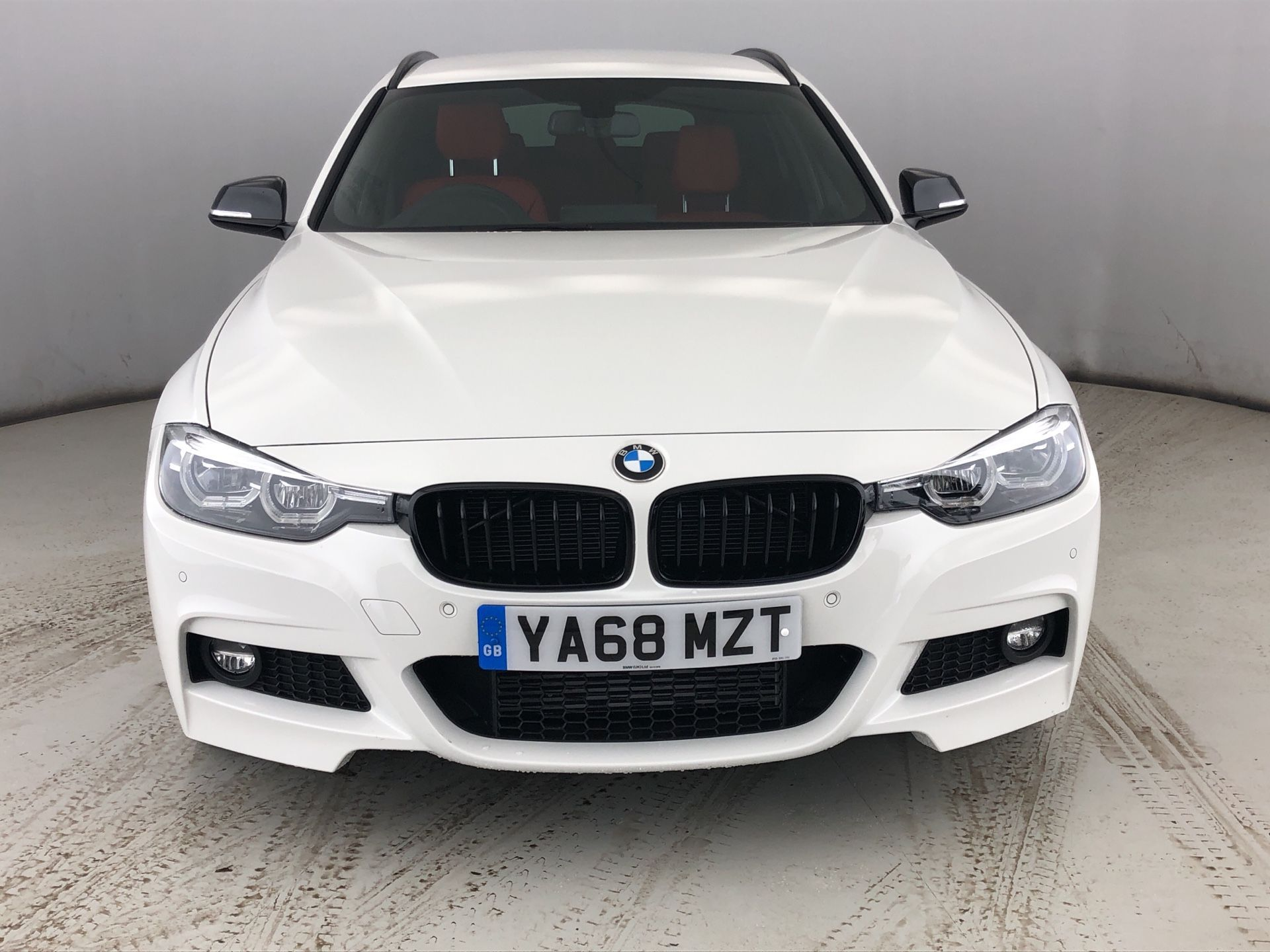 Image 19 - BMW 320d xDrive MSport ShadowEdition Touring (YA68MZT)