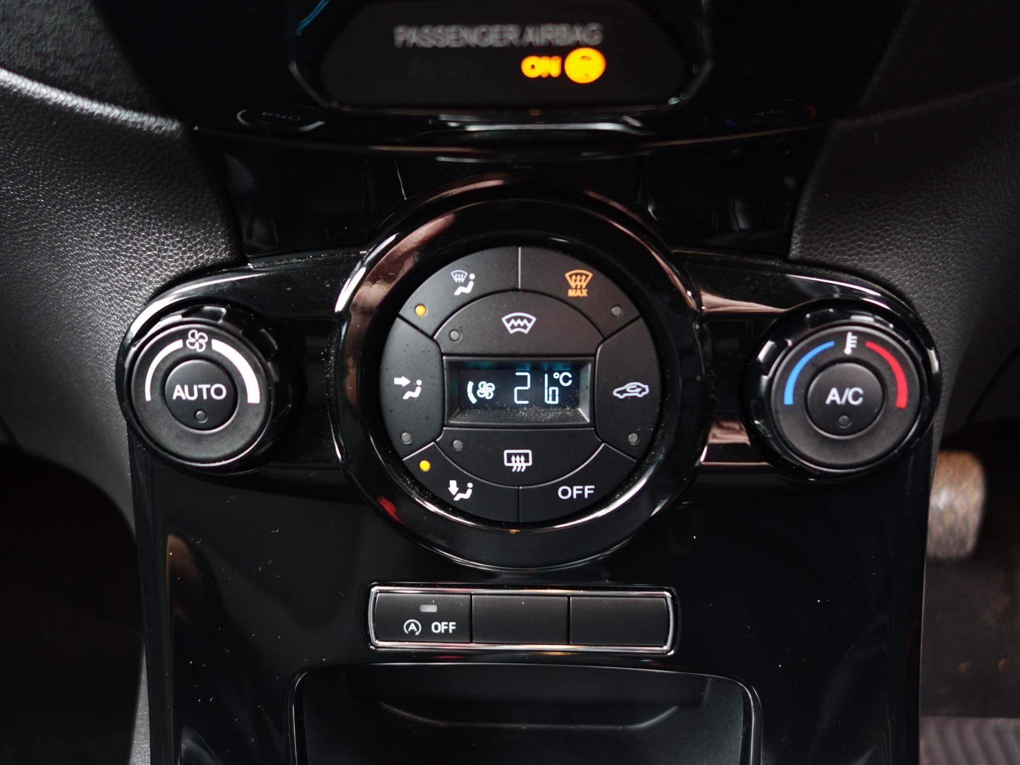 Ford Fiesta 1.0 EcoBoost Titanium (s/s) 5dr – YN65NCY