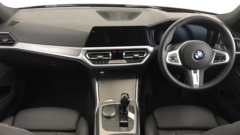 Image 4 - BMW 320d M Sport Touring (YG20CKP)