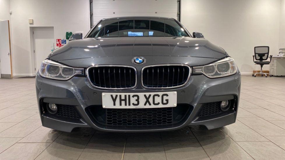 Image 16 - BMW 320d M Sport Saloon (YH13XCG)