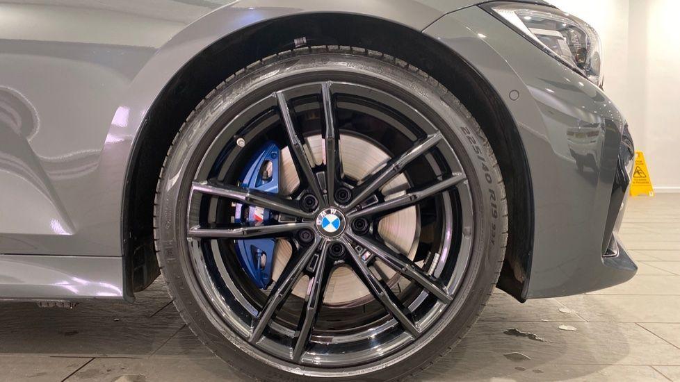 Image 14 - BMW 330d M Sport Pro Edition Touring (DE20WAU)