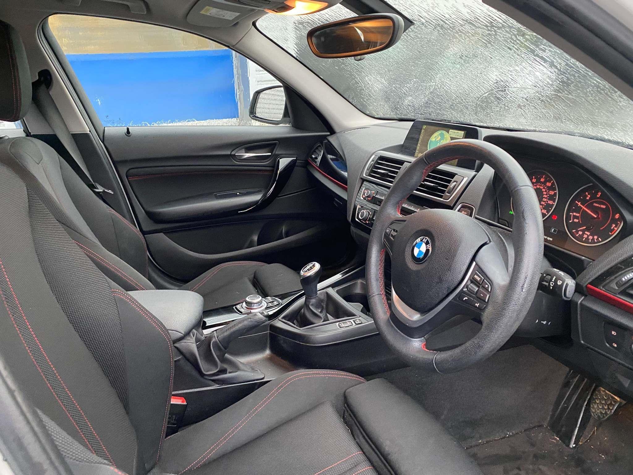 Image 17 - BMW 118i Sport 5-Door (MC66VGP)