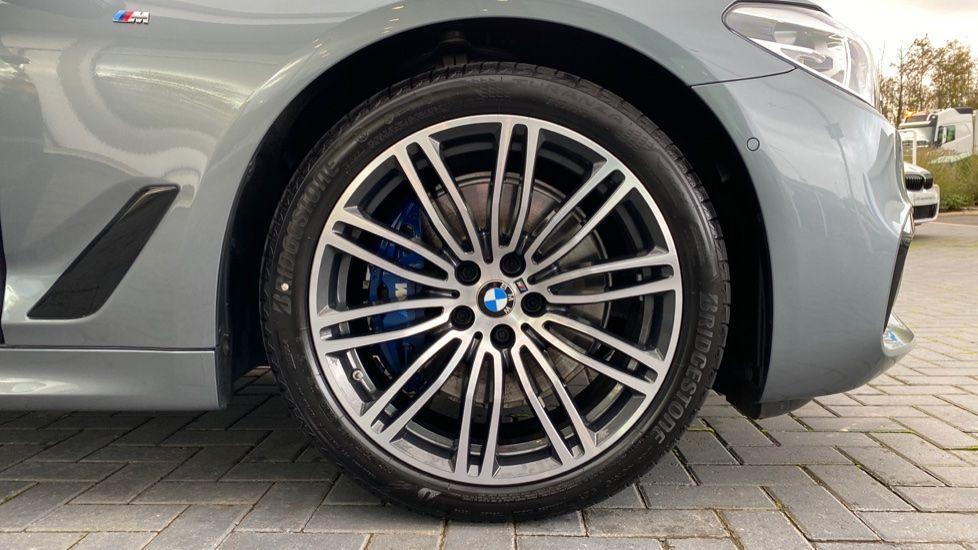 Image 14 - BMW 530d M Sport Saloon (CX20YMU)