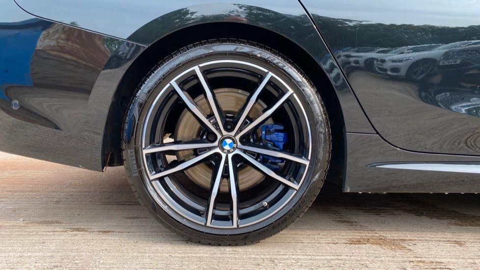 Image 14 - BMW 320i M Sport Saloon (YH20FLJ)