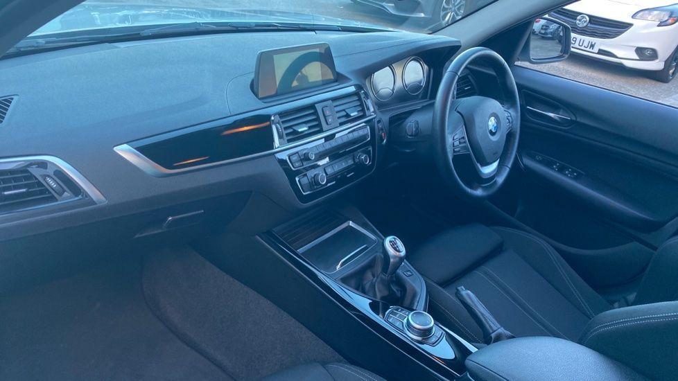 Image 6 - BMW 118i Sport 5-door (ML68OLU)