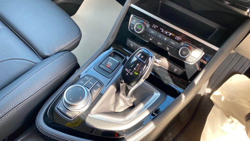 Image 10 - BMW 218i Luxury Active Tourer (YC69FNN)