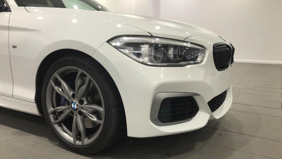 Image 20 - BMW M140i 5-door (DC17WCD)