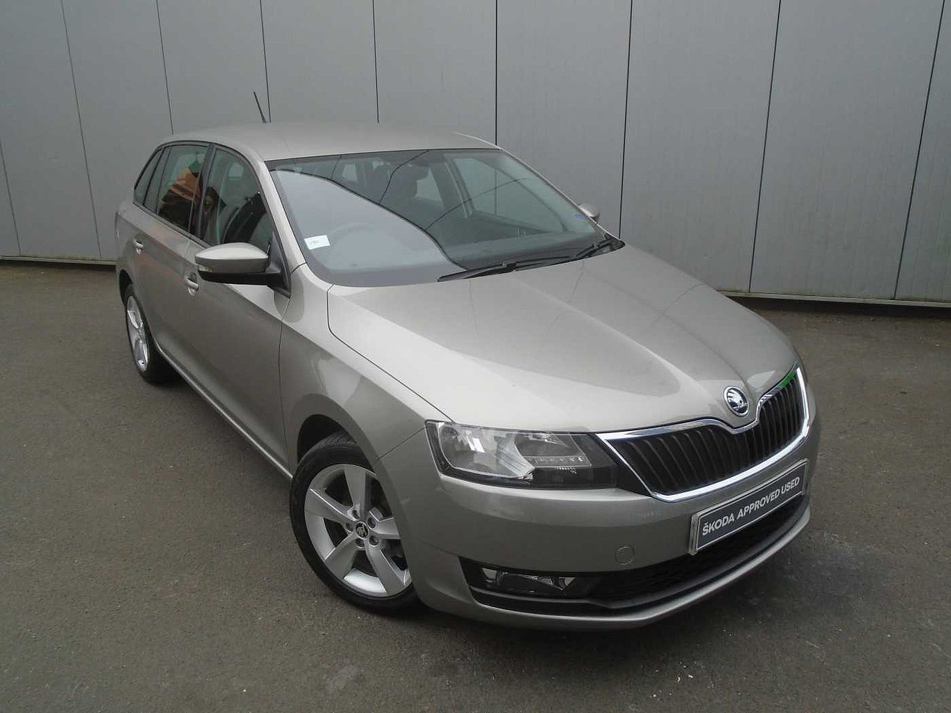 ŠKODA Rapid Spaceback SE Tech 1.0 TSI 95 PS DSG