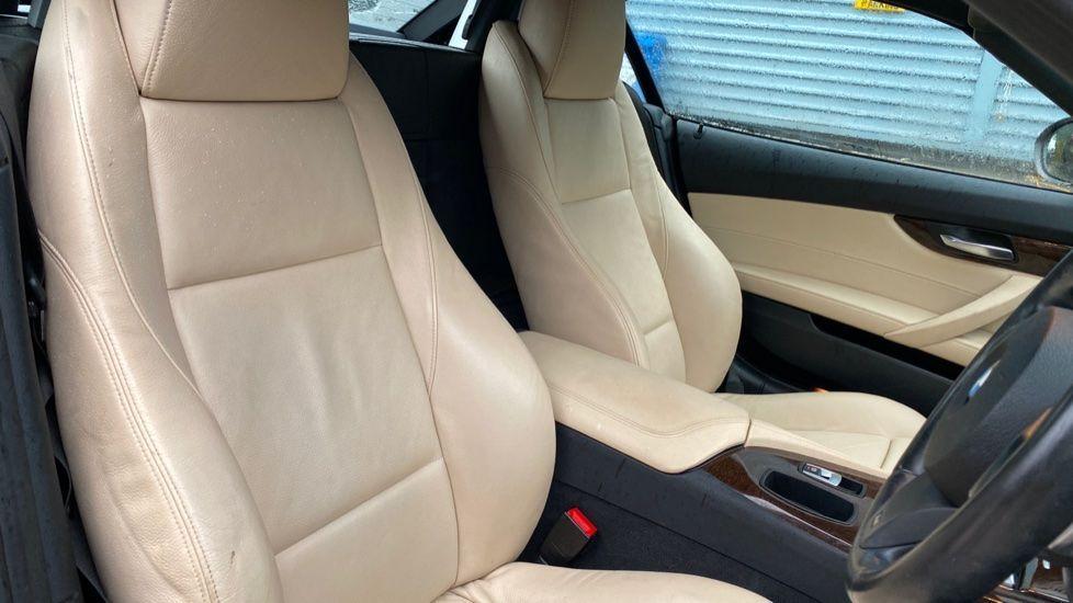 Image 11 - BMW sDrive20i M Sport Roadster (YT12ZXB)