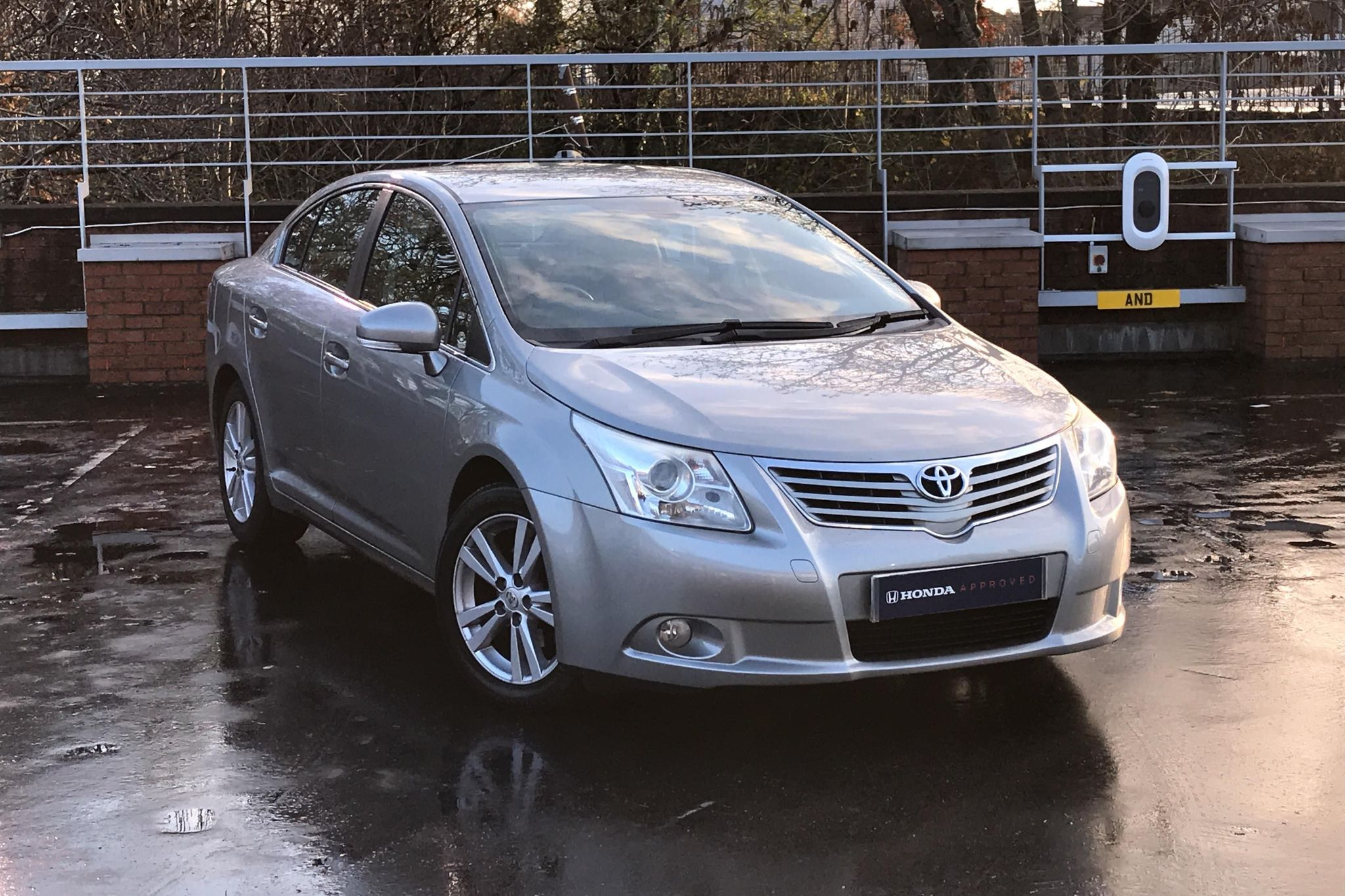 Toyota Avensis 2.0 V-Matic T4 4dr
