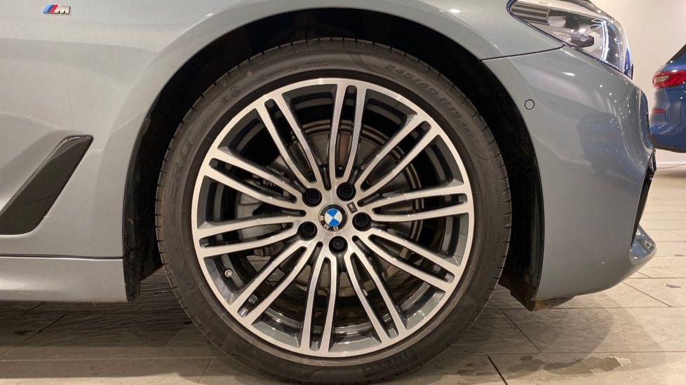 Image 14 - BMW 520d M Sport Touring (DE70OYW)