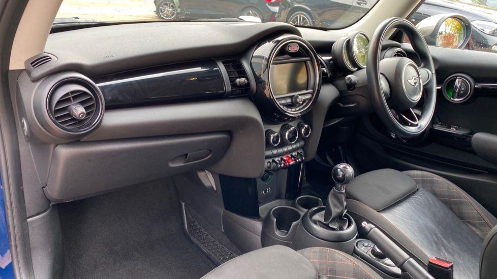 Image 6 - MINI Hatch (MF67SFX)