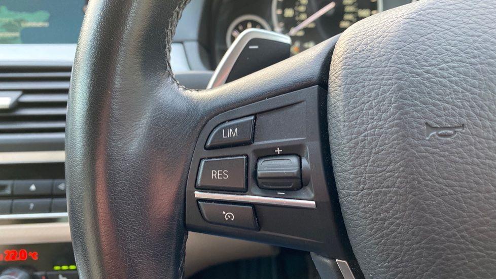 Image 17 - BMW 520d SE Touring (YF65WWD)