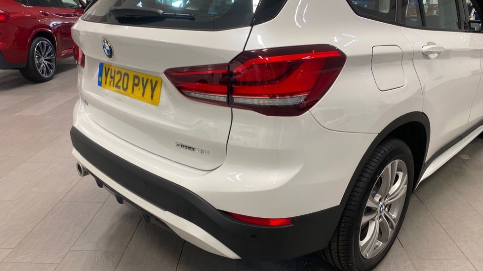 Image 21 - BMW sDrive18i Sport (YH20PYY)