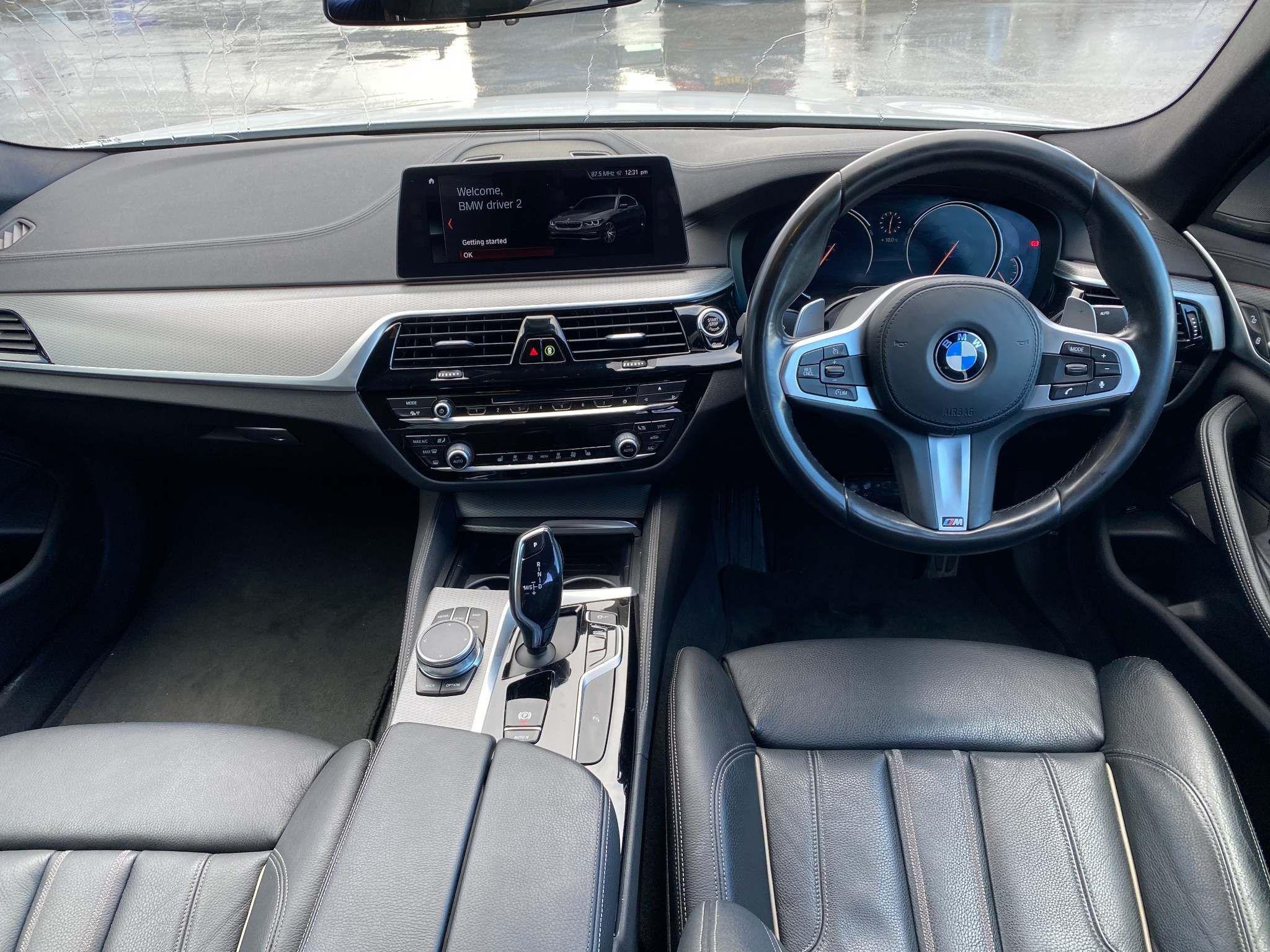 Image 9 - BMW 520d M Sport Saloon (MT67UPS)