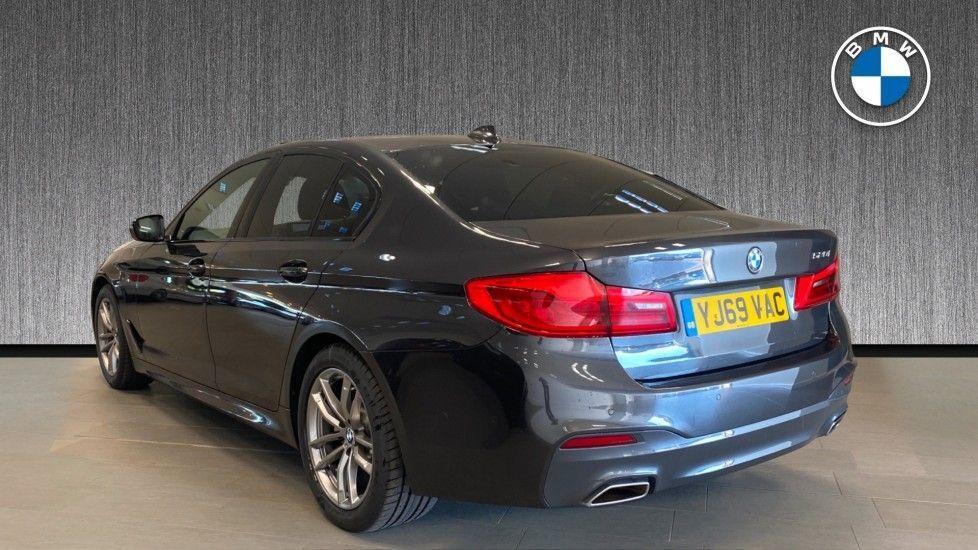 Image 2 - BMW 520i M Sport Saloon (YJ69VAC)