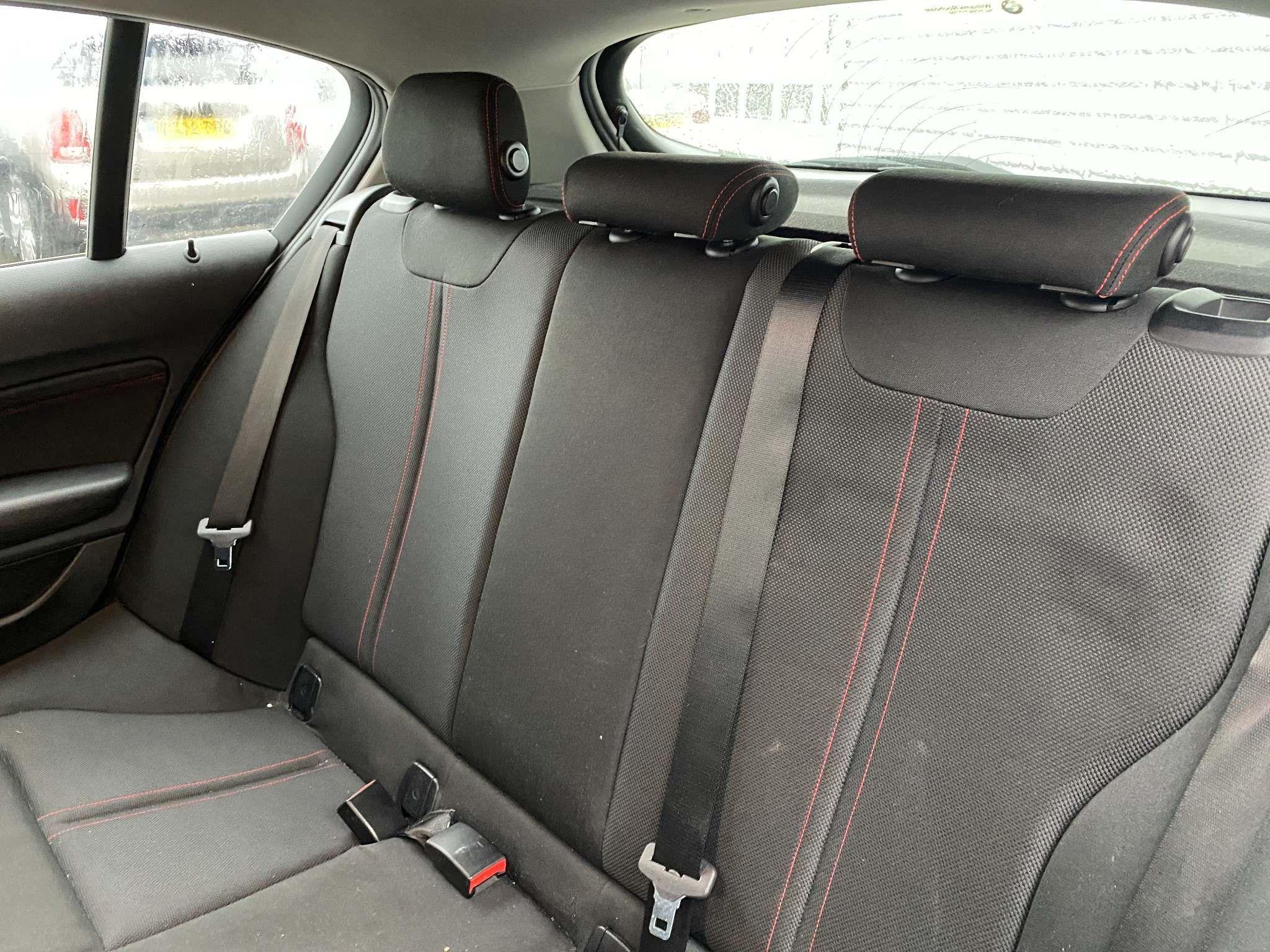 Image 7 - BMW 118i Sport 5-Door (MC66VGP)