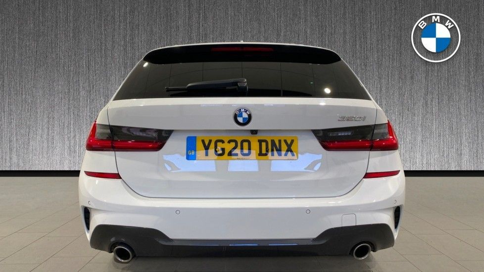 Image 15 - BMW 320i M Sport Touring (YG20DNX)
