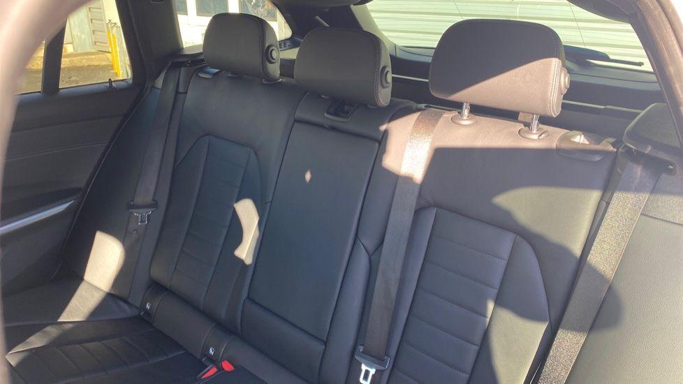 Image 12 - BMW 320i M Sport Touring (YG20DHF)