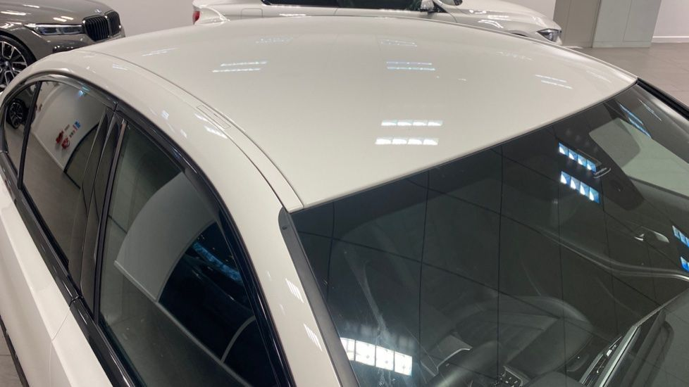 Image 21 - BMW 320i M Sport Saloon (YG20LFU)