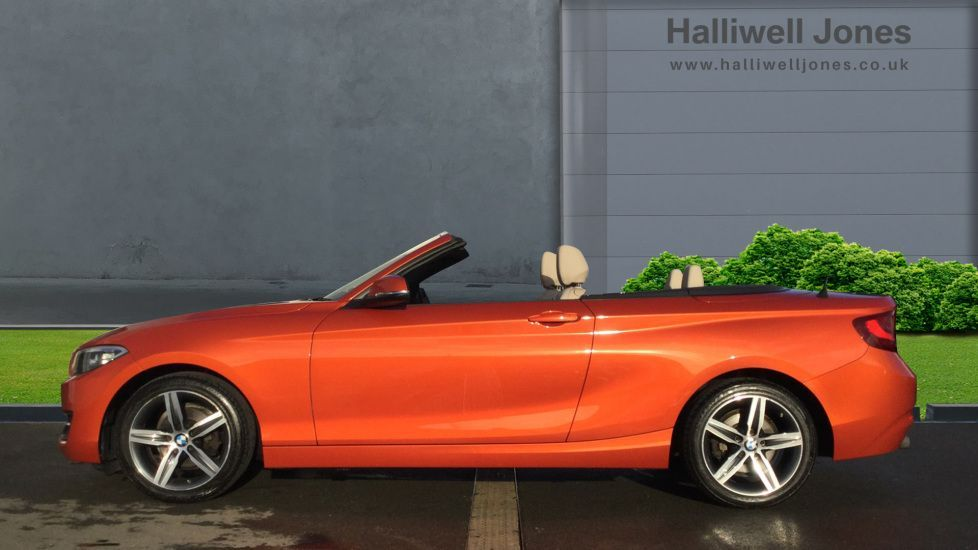 Thumbnail - 3 - BMW 218i Sport Convertible (MF65CRK)