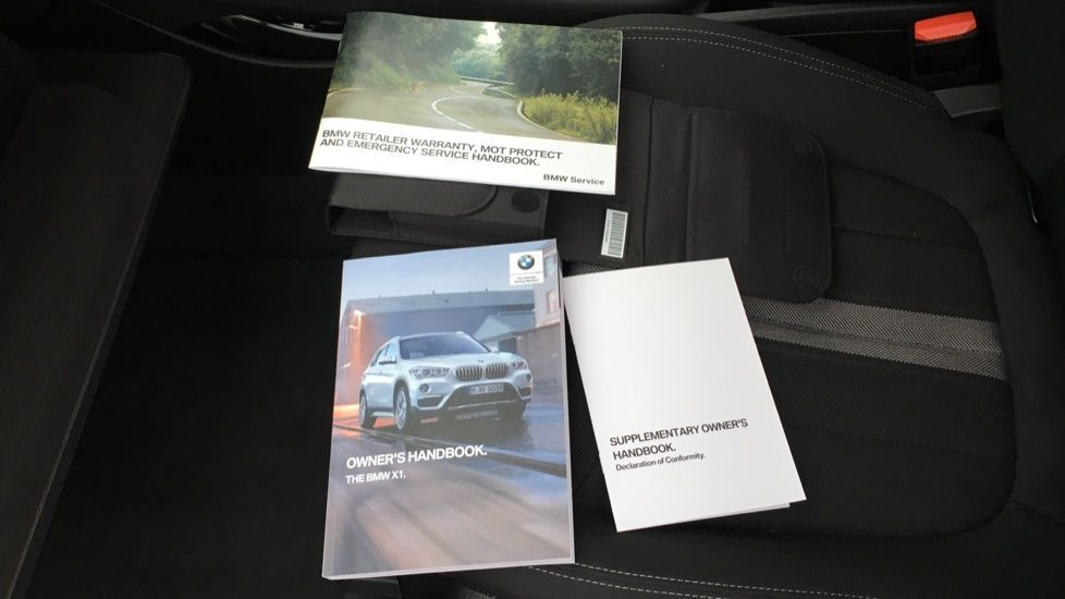 Image 24 - BMW sDrive18i Sport (ML19ZZU)