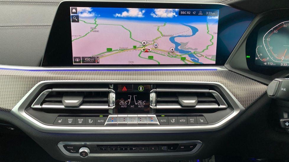 Image 7 - BMW xDrive40i M Sport (YL69YOF)