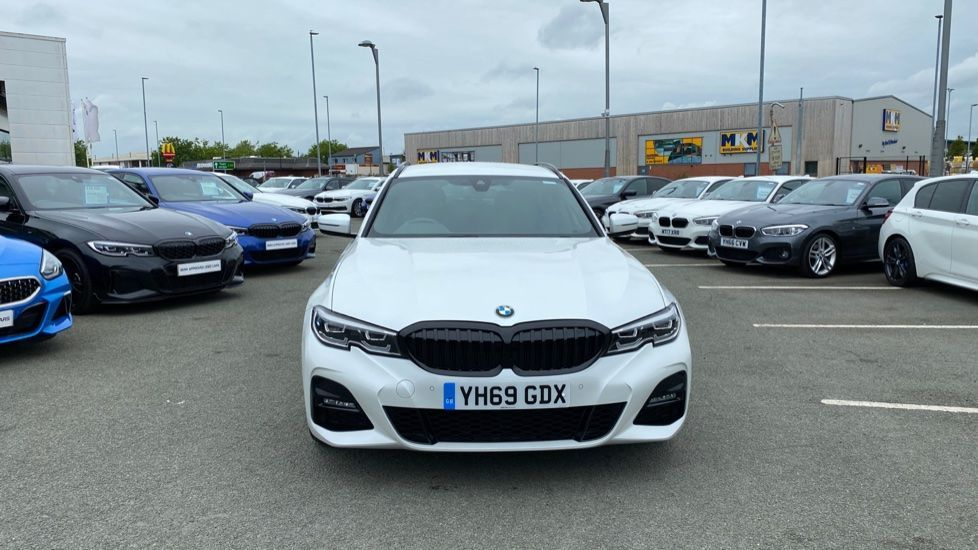 Image 16 - BMW 320d xDrive M Sport Touring (YH69GDX)