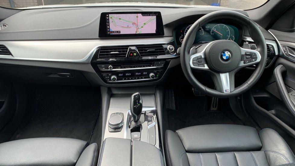 Image 4 - BMW 520d xDrive M Sport Saloon (SE19ZXV)