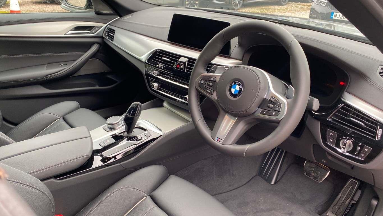 Image 16 - BMW 520d M Sport Saloon (MT20HJO)