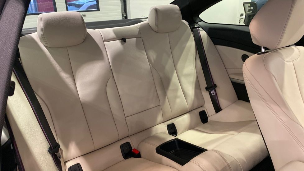 Image 11 - BMW 420i M Sport Coupe (YB69EXH)