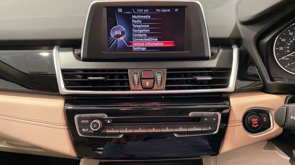 Image 5 - BMW 216d Luxury Active Tourer (DC65GBY)