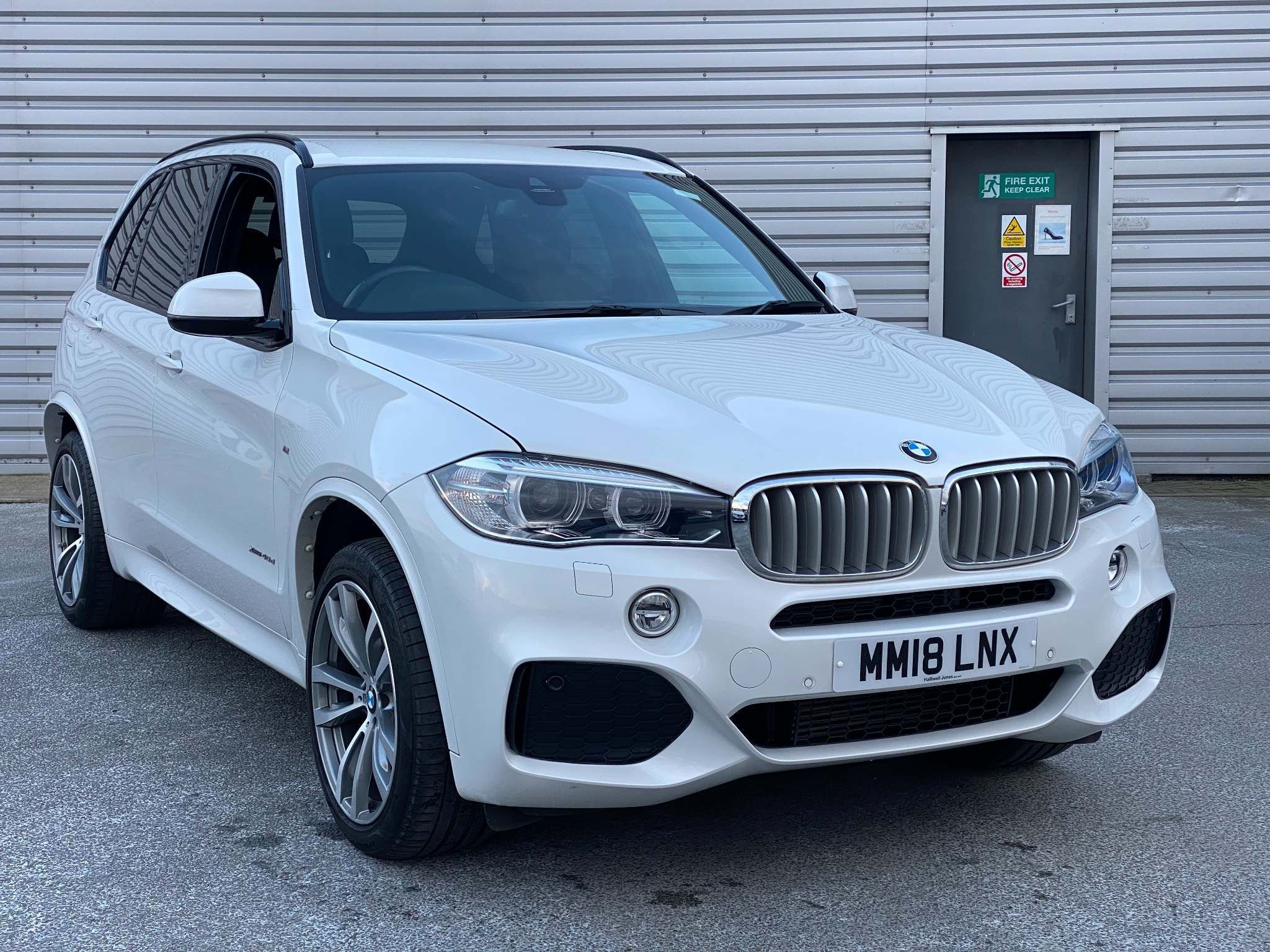 Image 1 - BMW xDrive40d M Sport (MM18LNX)
