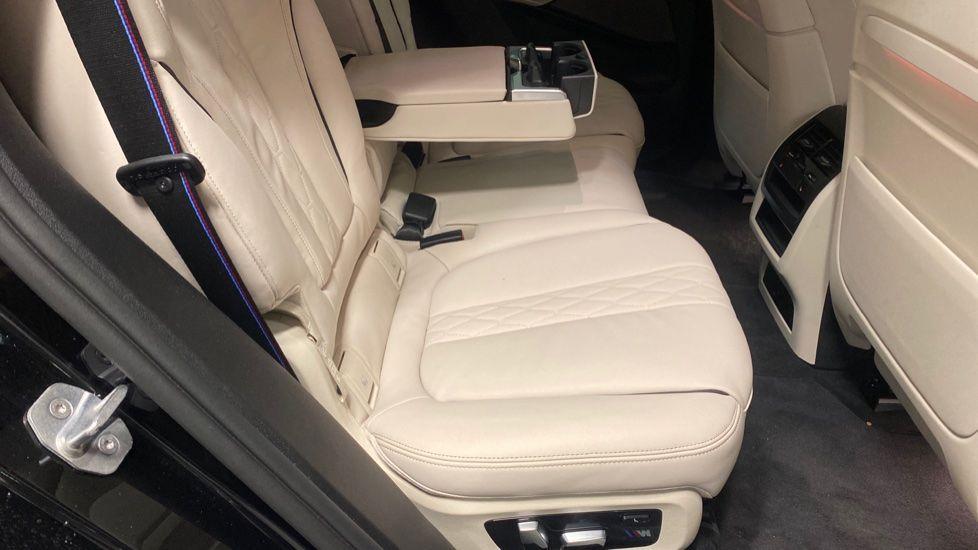 Image 28 - BMW xDrive40i M Sport (YE20DWY)