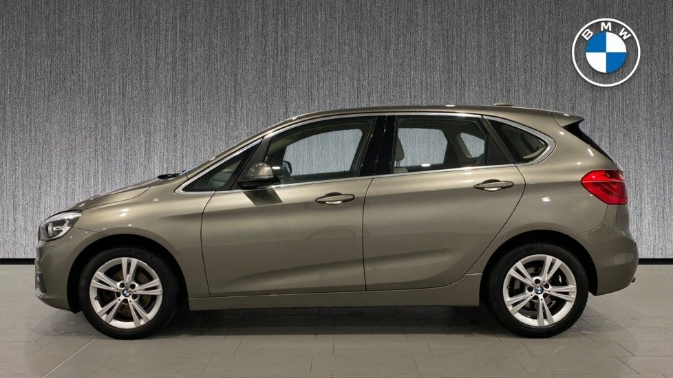 Image 3 - BMW 216d Luxury Active Tourer (DC65GBY)