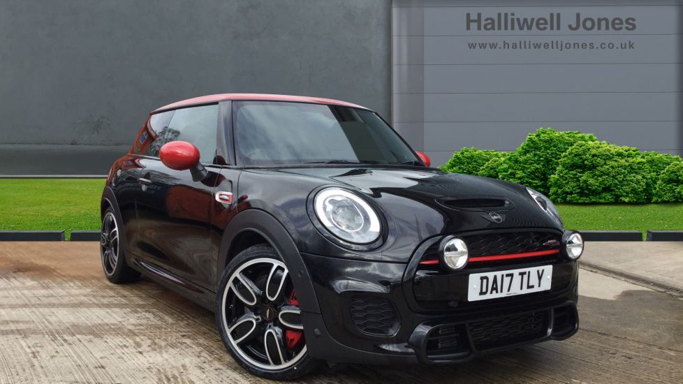 Image 1 - MINI Hatch (DA17TLY)