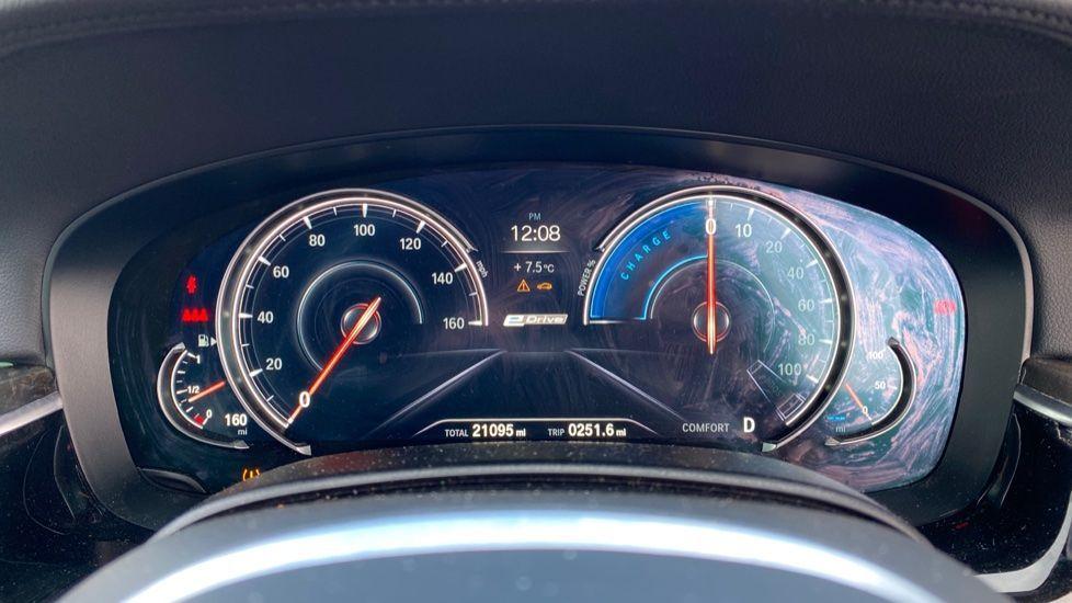 Image 9 - BMW 530e M Sport iPerformance Saloon (KE67DZL)