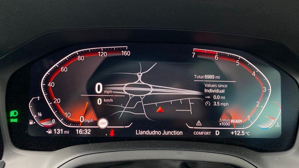 Image 9 - BMW 320i M Sport Touring (YG20JRO)