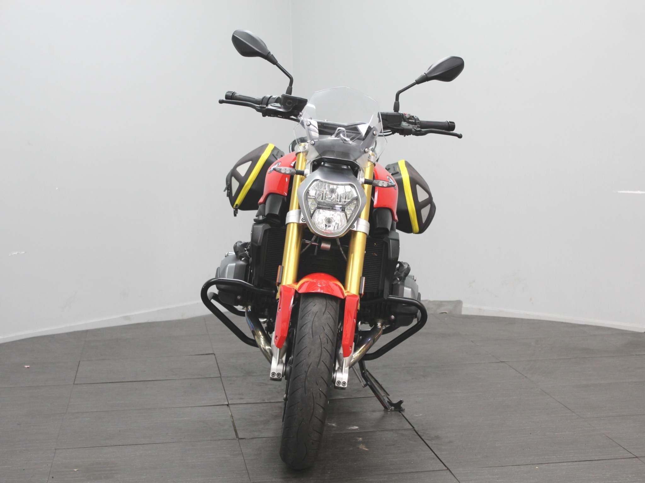 BMW R1200R Images