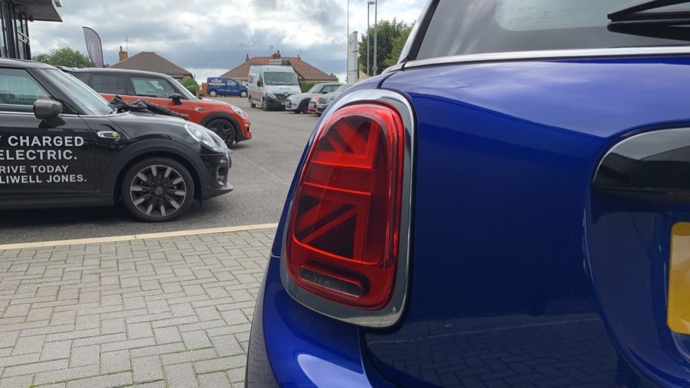 Image 18 - MINI Hatch (PE69VDT)