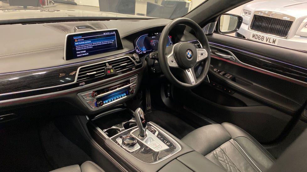 Image 6 - BMW 745Le xDrive M Sport Saloon (YG20OWX)