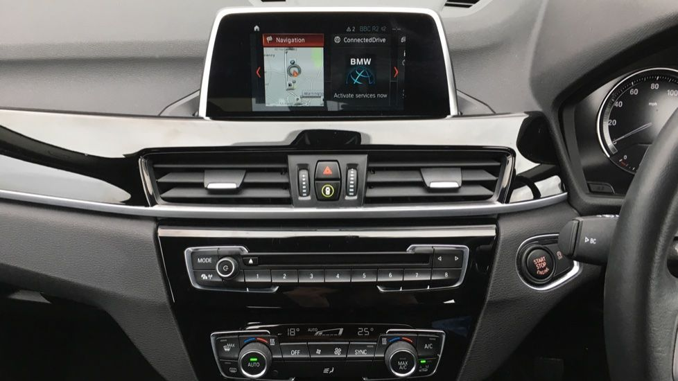 Image 14 - BMW sDrive18i Sport (ML19ZZU)