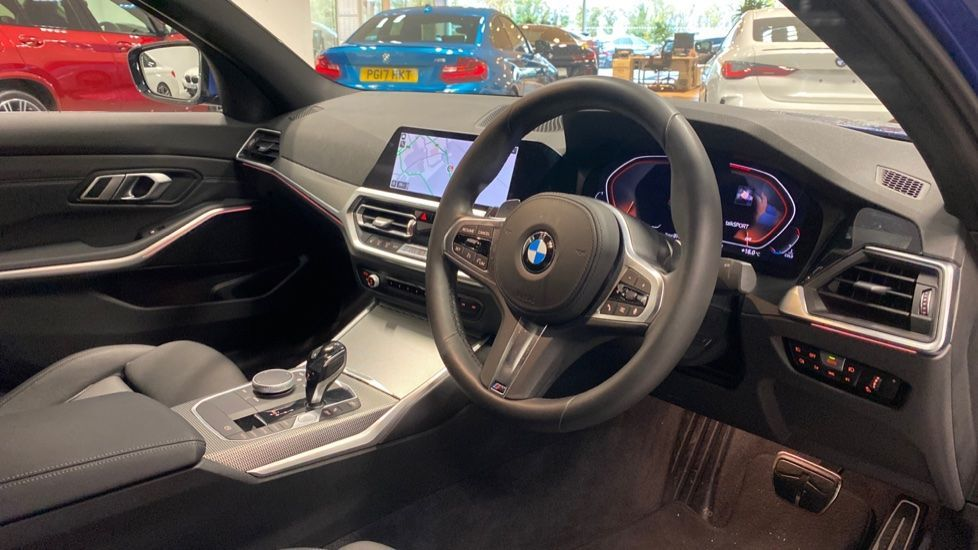 Image 5 - BMW 320d M Sport Saloon (YB69WNR)