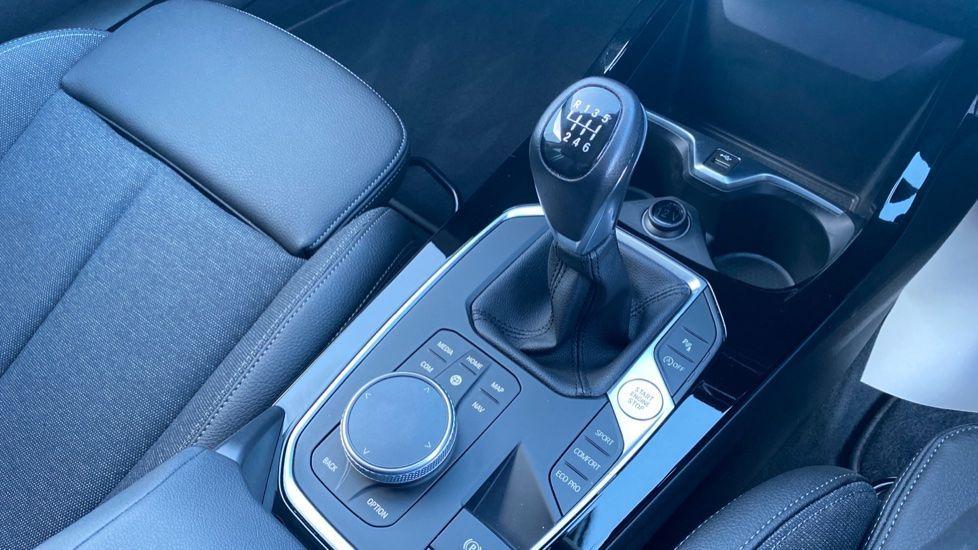 Image 10 - BMW 118i Sport (YF69HKN)