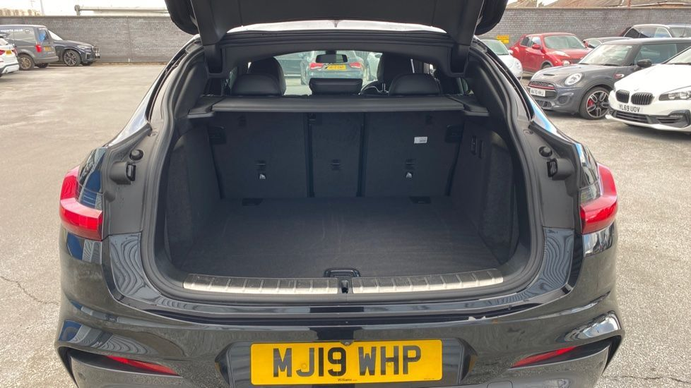 Image 13 - BMW xDrive30d M Sport (MJ19WHP)