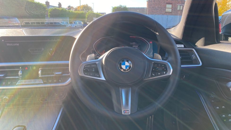 Image 8 - BMW 320d M Sport Saloon (YD69BBT)
