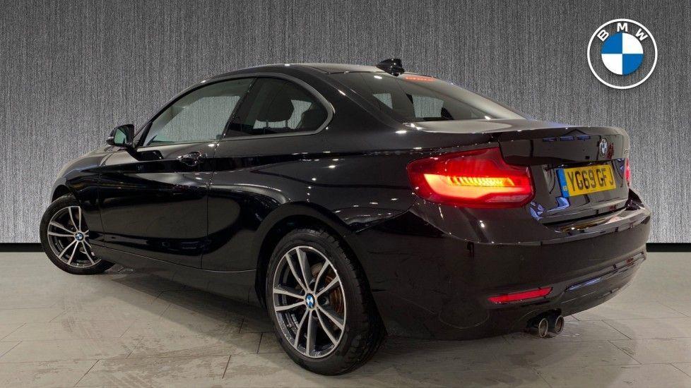 Image 2 - BMW 220i Sport Coupe (YG69GFJ)
