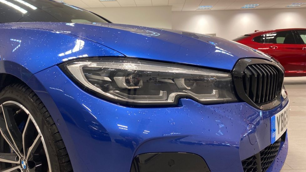 Image 23 - BMW 320d M Sport Saloon (YB69WNR)