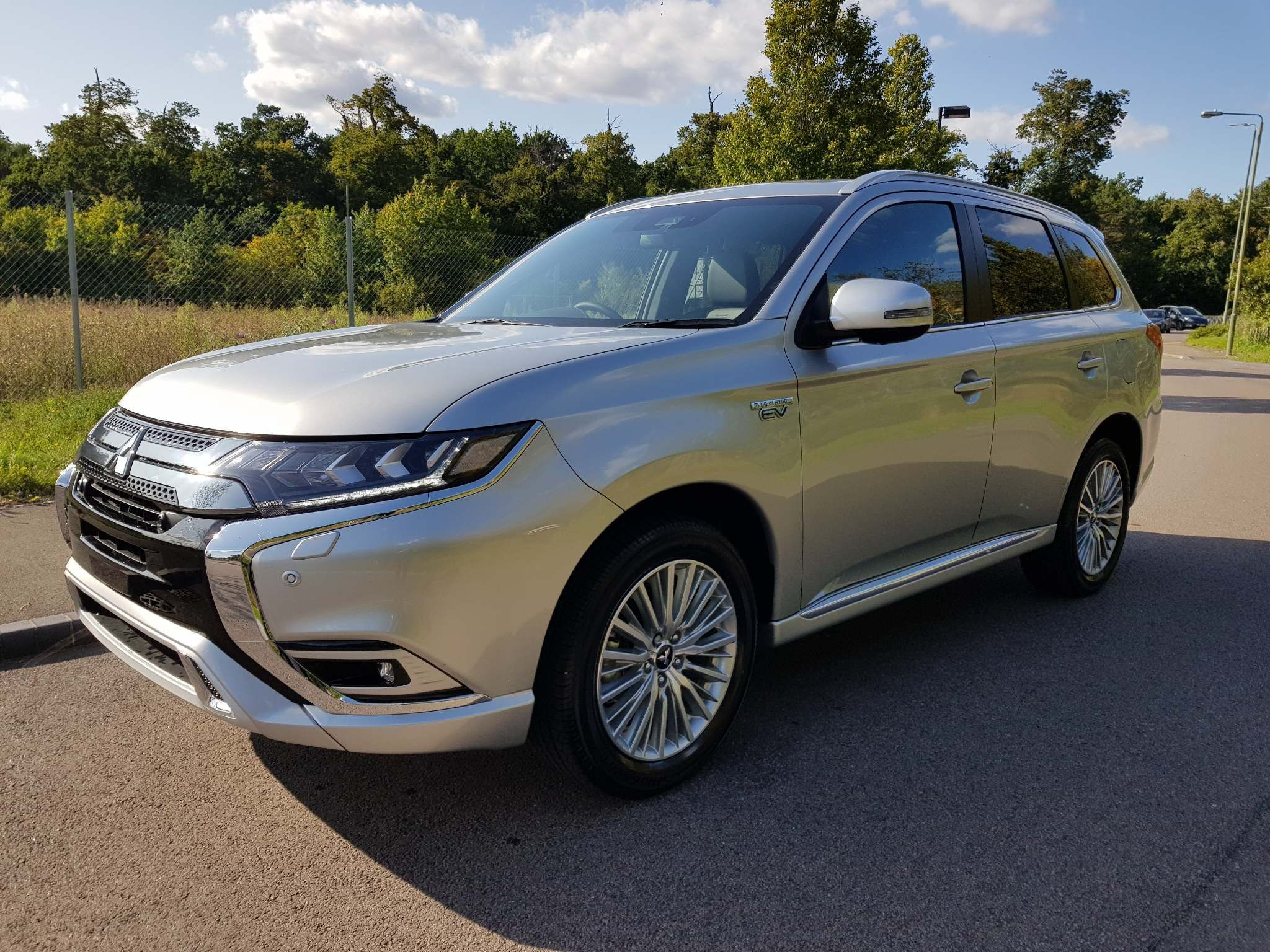 New & used Mitsubishi Outlander PHEV cars for sale | Auto Trader