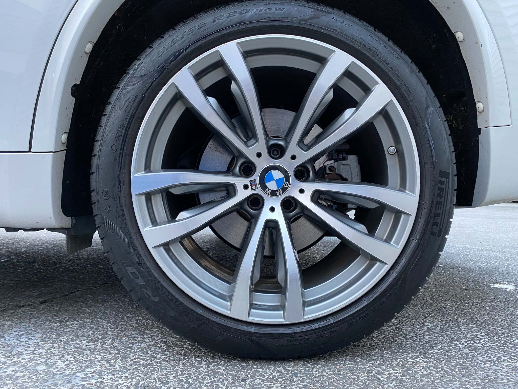 Image 12 - BMW xDrive40d M Sport (MM18LNX)